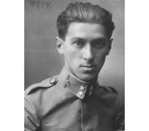 Miloš Crnjanski u austrijskoj uniformi (Foto: Istorijski arhiv Zrenjanin)
