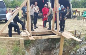 Posmrtni ostaci nekoliko tela pronađeni na dubini od 54 metra