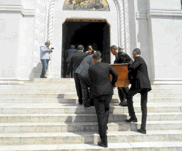 Уношење ковчега у храм