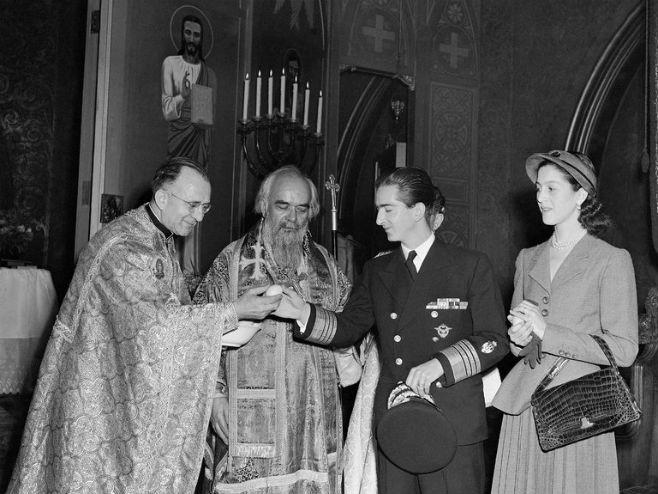 Kralj Petar II u crkvi Svetog Save u Njujorku 1948. (foto: AP)