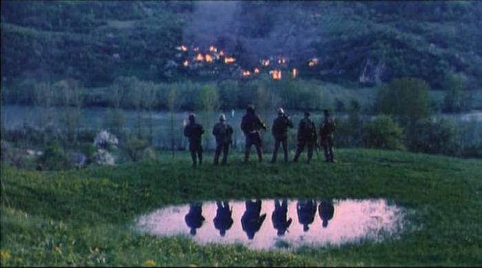 Lepa_sela_lepo_gore_vojska_i_zapaljene_kuce