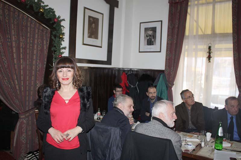 """PORED SLIKE SLAVNOG PRETKA: Nataša Gligorić u kultnom beogradskom restoranu """"Stara Hercegovina"""" FOTO: SLOBODNA HERCEGOVINA)"""