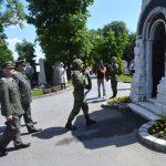 Polaganje vijenca na grob vojvode Radomira Putnika