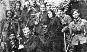 Златарски партизани: Мирко Ћуковић, у првом реду други с лева