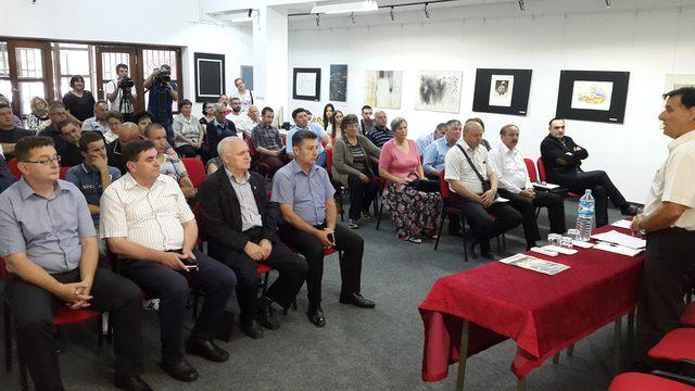 Republička organizacija porodica zarobljenih i poginulih boraca i nestalih civila Republike Srpske održala je danas u Doboju javnu tribinu