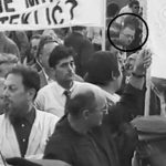 """Хасанбеговић на протесту код """"џамије"""" у Загребу 1990."""