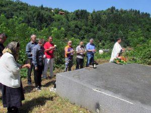 Služen parastos srpskim žrtvama ustaških zločina u Srebrenici  Foto: SRNA