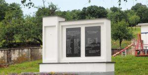"""Spomenik """"palim borcima i žrtvama fašizma od 1941. do 1945. godine"""" u selu Paklenica"""