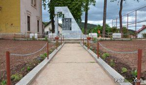 Spomen-obilježje u naselju Stara Stanica na Palama