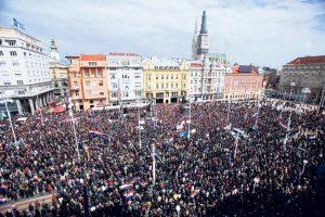 Sve više Hrvata, sve manje onih drugih (Foto Rojters)