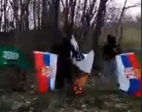 Islamisti pucaju i pale srpske zastave!