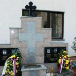 U Gornjem Zabrđu kod Ugljevika danas je održan skup svih učesnika rata iz ovog naselja i položeni vijenci na Spomen-obilježju za četiri poginula saborca i jednu civilnu žtrtvu odbrambeno-otadžbinskog rata.