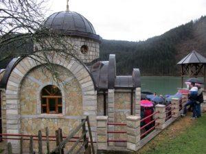 U Starom Brodu kod Višegrada danas je obilježena krsna slava spomen-kapele posvećene dabrobosanskim mučenicima, stradalim u Drugom svjetskom ratu