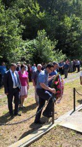 U zaseoku Vurune u Donjem Vodičevu, opština Novi Grad, danas su položeni vijenci i prislužene svijeće kod zajedničkog spomen-obilježja za 75 civilnih žrtava iz Drugog svjetskog rata