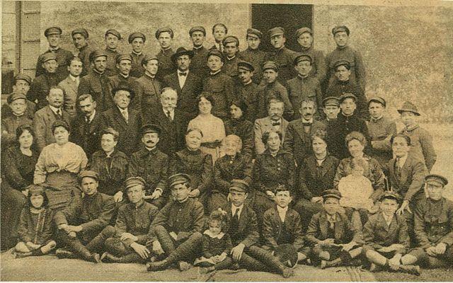 Grupa naših đaka u gradu Uzes u Provansi