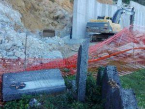 Karlovac: Na Jevrejskom groblju uništen spomenik antifašistima (Foto: Novi list)