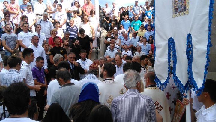 U Prebilovcima kod Čapljine danas je, u prisustvu velikog broja ljudi, služena liturgija i dat pomen za 4.000 Srba iz Prebilovaca i Donje Hercegovine koji su ubijeni i bačeni u jame prije 75 godina