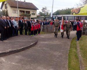 Služenjem parastosa za poginule borce i polaganjem vijenaca danas je u Mašićima kog Gradiške obilježeno 25 godina od osnivanja 16. Krajiške motorizovane brigade Vojske Republike Srpske