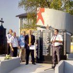 U derventskoj mjesnoj zajednici Agići otkriven je obnovljeni spomenik poginulim borcima Narodnooslobodilačke borbe /NOB/ i žrtvama fašističkog terora