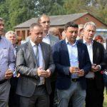 Narodni poslanik Zlatko Maksimović poručio je danas u Batkoviću kod Bijeljine, gdje je služen parastos za 17 boraca koji su dali živote za Republiku Srpsku, da sjećanja na žrtve odbrambeno-otadžbinskog rata ne mogu i ne smiju da izblijede
