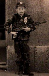 Lekcija: Dečak u uniformi