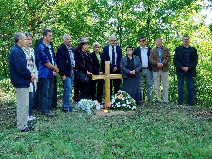 Na današnji dan prije 21 godine na Ozrenu su poginuli radnici Radio-televizije Republike Srpske /RTRS/ Saša Kolevski i Gorana Pejčinović, na čiji je automobil, dok su bili na radnom zadatku, muslimanska strana otvorila vatru.