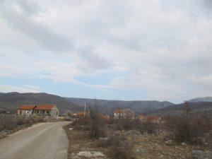 Mirlović Polje kod Drniša.