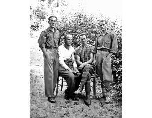 Stojan Stojanović( prvi s desna) u vojnom logoru (Foto: lična arhiva)