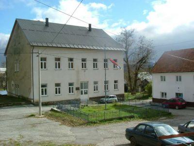 """Škola """"Anž Frankopan"""" -nekadašnja zgrada ustaškog taborništva"""