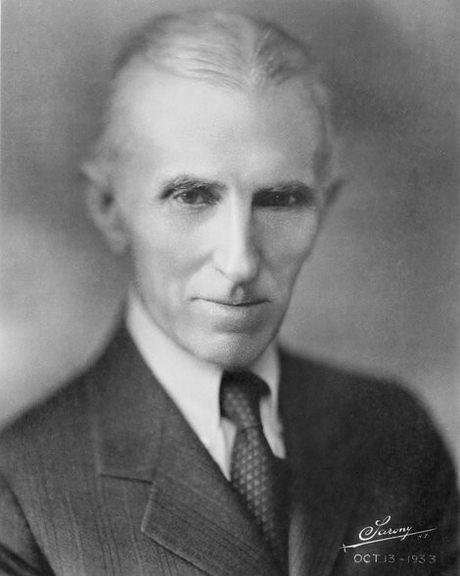 """Њујорк, април 1942, ваш брат Никола Тесла."""""""