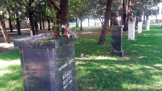 Bista narodnog heroja Vlade Šegrta ukradena je tokom noći iz gradskog parka u Trebinju