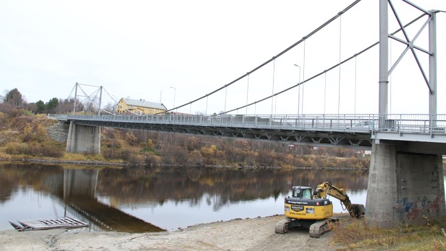 Most u Karašoku danas. Tokom Drugog svetskog rata čuvari su primoravali jugoslovenske ratne zarobljenike da ulaze u ledenu vodu reke. To se odvijalo na suprotnoj strani reke na ovoj slici. FOTOGRAFIJA: Marte Lindi