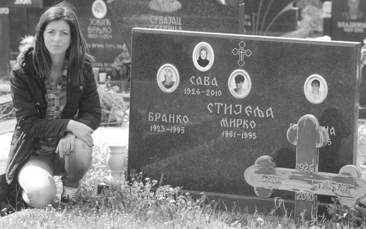 Na porodičnom grobu