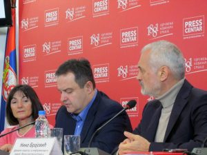 Državni sekretar za informisanje i medije u Ministarstvu kulture Srbije Nino Brajović rekao je danas da oko četiri miliona Srba živi u dijaspori i da je potrebno ojačati onlajn kapacitete organizacija i udruženja Srba u dijaspori i regionu i podržati njihovu ulogu u informisanju i promovisanju srpske zajednice.