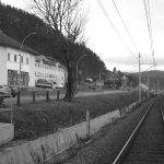 U doba socijalističkog 'jednoumlja' gradić je bio veliko željezničko čvorište