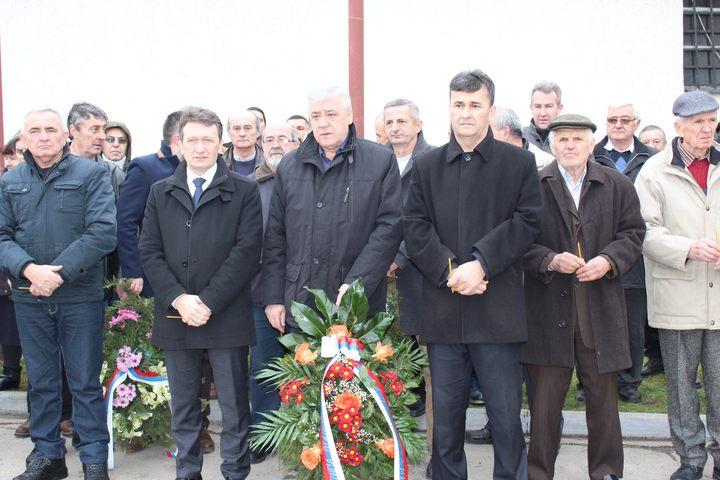 Donjoj Trnovi kod Ugljevika danas je obilježeno 24 godine od pogibije komandanta Prve majevičke brigade Vojske Republike Srpske /VRS/ pukovnika Milana Jovića.