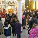 Svetom liturgijom u Spomen-hramu Svetog velikomučenika Georgija u Drakuliću jutros je počelo obilježavanje 75 godina od ustaškog pokolja Srba u tom banjalučkom naselju, kao i u obližnjim mjestima Motike, Šargovac i u rudniku Rakovac.