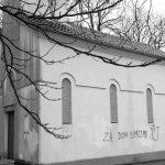 Oskvrnut pravoslavni hram Svetog Petra i Pavla u Sinju