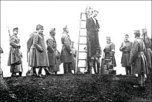 Okupatorski vojnici vešaju Srbina