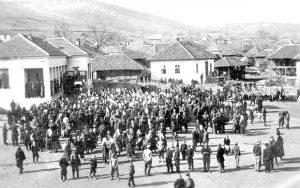 Окупљање народа у Лебану после предаје Бугара