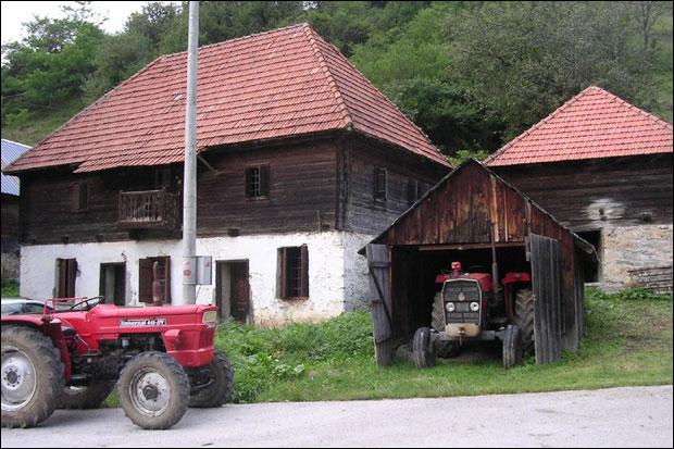 * Kuća Čakarevića u Štitkovu