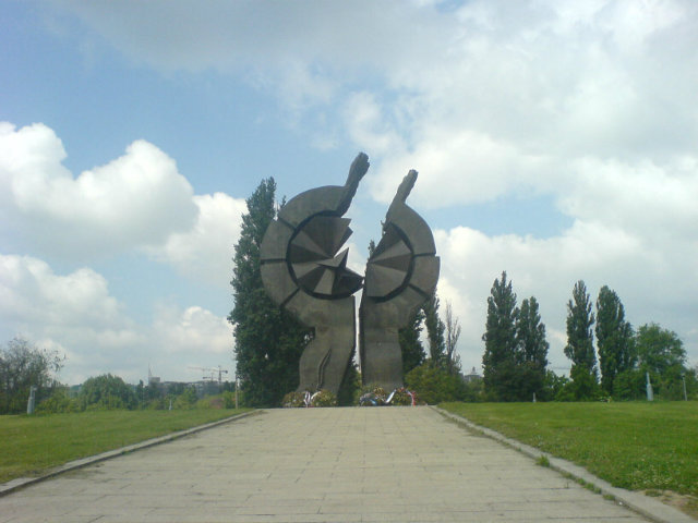 The current memorial at the Staro Sajmiste prison camp site in Belgrade. Photo: Wikimedia/Pinki.