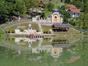 Стари Брод: Спомен капела за шест хиљада убијених Срба (Фото: wikimedia)