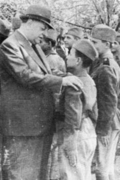 Nedić sa mladim Srbima