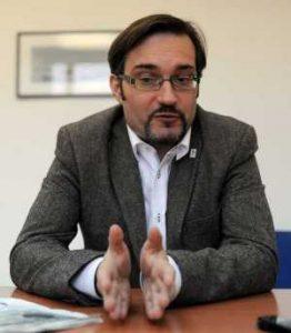 Dr Dario Vidojković