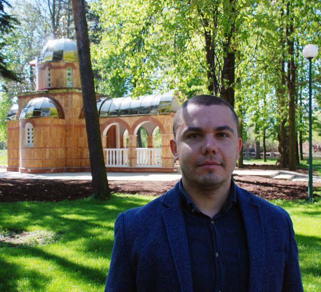 Predsjednik Odbora potomaka djece Republike Srpske i član Organizacije porodica zarobljenih i poginulih boraca i nestalih civila Trnova Goran Timotija.