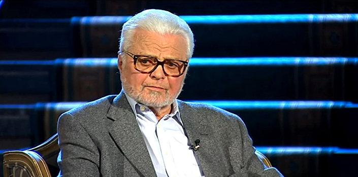 Akademik Ljubomir Simović: Naravno da podržavam ideju da se sećanje na sve te ljude koji su stradali sačuva na neki dostojan način. © YOUTUBE/RTS KULTURNO-UMETNIČKI PROGRAM - ZVANIČNI KANAL