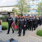 Služenjem parastosa, polaganjem vijenaca i prisluživanjem svijeća kod spomenika poginulim pripadnicima Centra javne bezbjednosti /CJB/ Banjaluka, obilježen je Dan policije Republike Srpske - 4 april