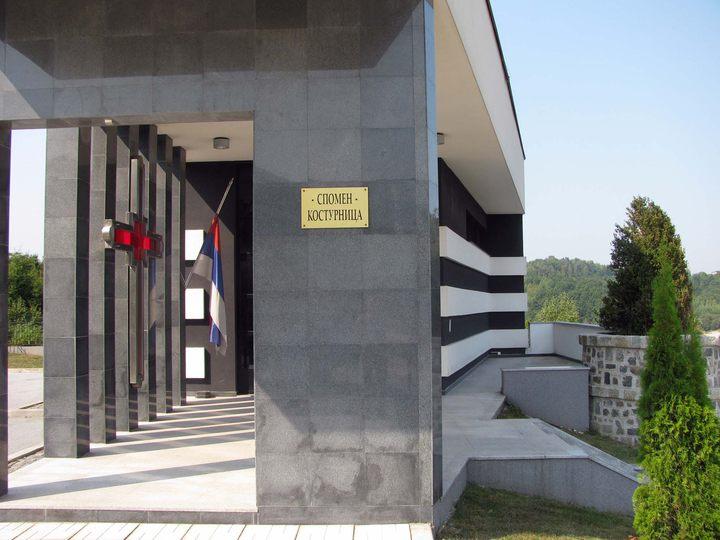Organizacija porodica zarobljenih i poginulih boraca i nestalih civila Istočno Sarajevo i dalje na prostoru Sarajeva traži 175 nestalih lica srpske nacionalnosti, a 394 lica na prostoru sarajevsko-romanijske regije.