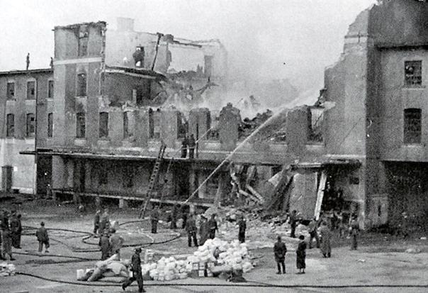 Након удара југословенских бомбардера: Жељезничко складиште у Грацу, 6. априла 1941.
